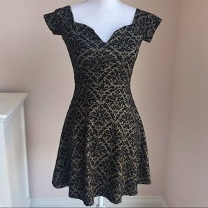 One Clothing Los Angeles Party Dress Small